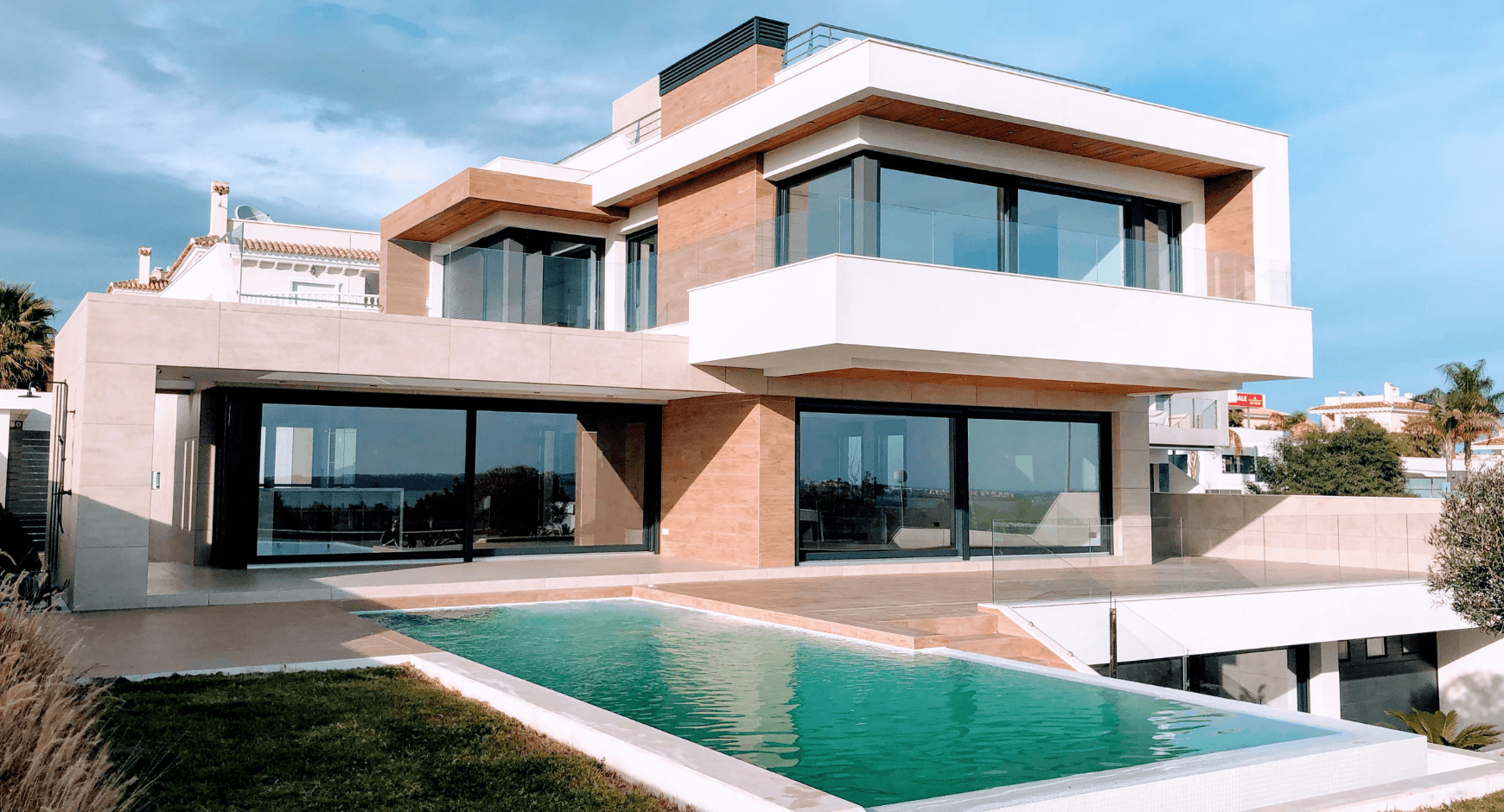 Image of a home with modern windows and trim