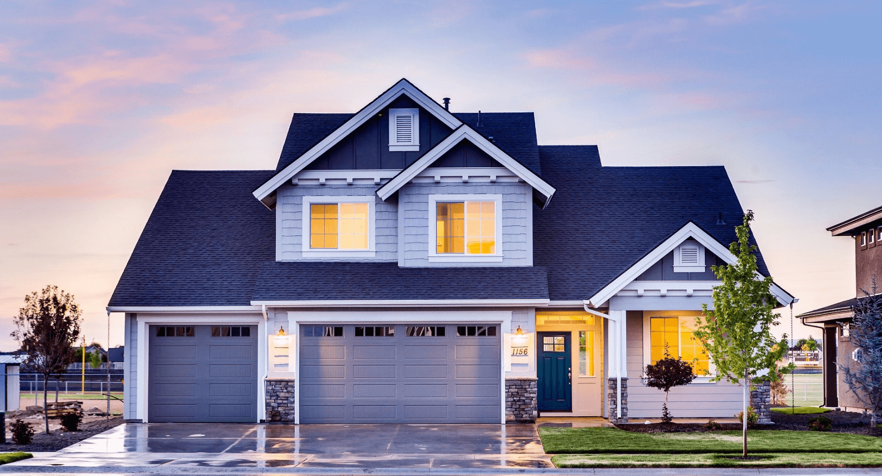 Image of a home with vinyl window trim