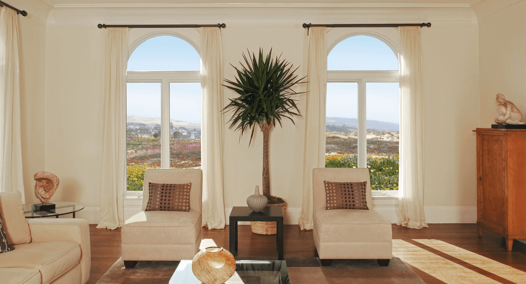 Image of a Mediterranean-style living room